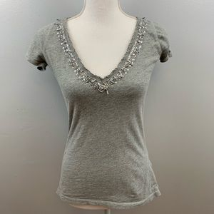 Abercrombie & Fitch   Gray V-Neck Short Sleeve Top